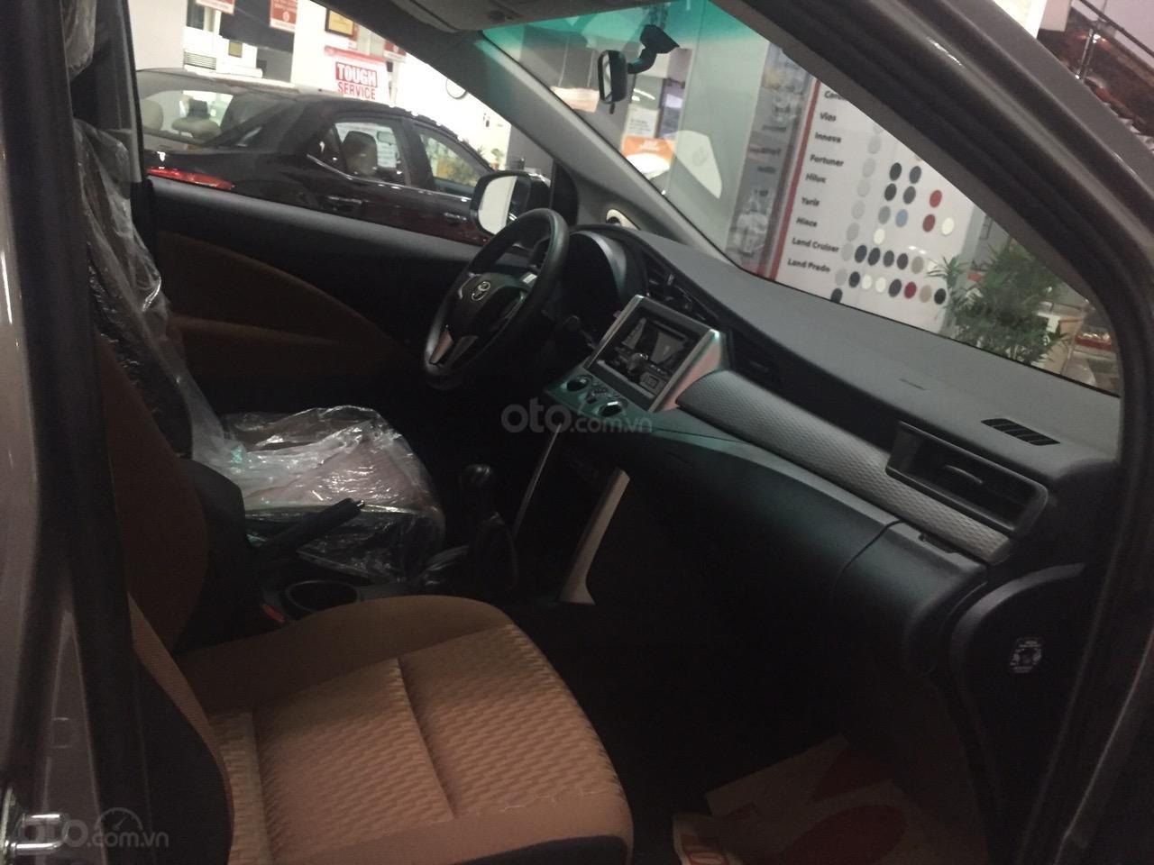 Bán Innova 2.0E số sàn, màu đồng, hỗ trợ vay 85%, thanh toán 170tr nhận ngay xe (4)