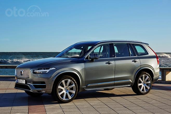 Volvo XC90 T8 Inscription và T8 R-Design.