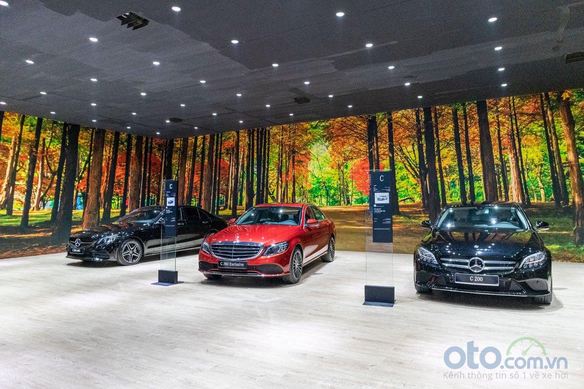 Không gian trưng bày dòng Mercedes-Benz C-Class 2019.
