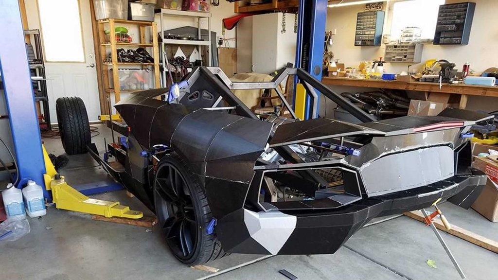 Ngắm chiếc Lamborghini Aventador 3D tự chế của hai bố con Tiến sĩ vật lý a2