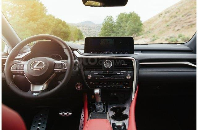 Nội thất xe Lexus RX 2020.