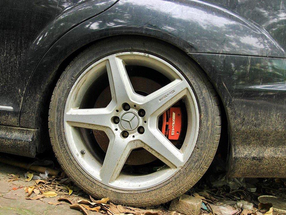 Số phận của chiếc Mercedes-Benz S63 AMG 2011 bị bỏ hoang tại Hà Nội a9