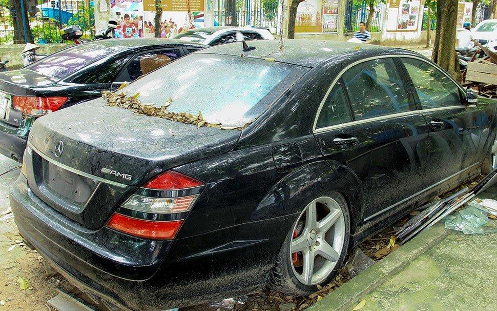 Số phận của chiếc Mercedes-Benz S63 AMG 2011 bị bỏ hoang tại Hà Nội a13