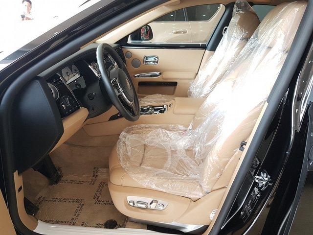 Rolls-Royce Ghost Series II cũ giá 20 tỷ đồng sau 4 năm sử dụng a9