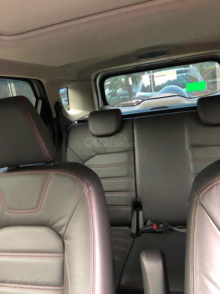 Chính chủ bán Ford EcoSport Titanium 2017, màu xám (ghi), mới chạy 9000km-5