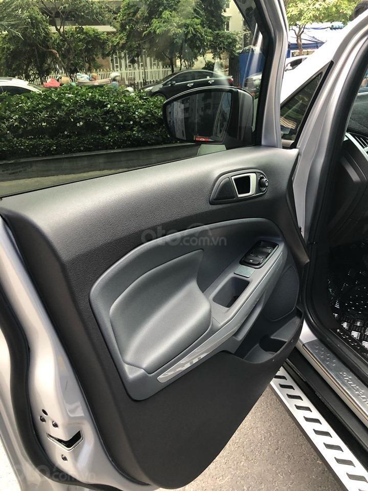 Chính chủ bán Ford EcoSport Titanium 2017, màu xám (ghi), mới chạy 9000km-23