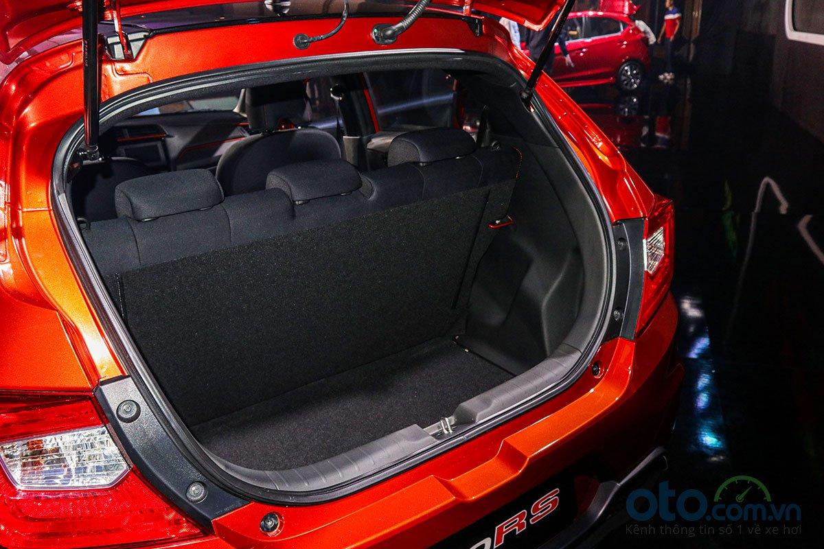 Đánh giá xe Honda Brio 2019: Khoang hành lý.
