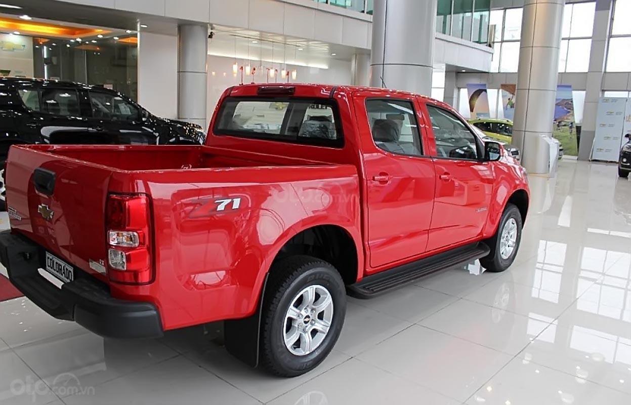 Bán xe Chevrolet Colorado 4x2 AT đời 2019, màu đỏ, nhập khẩu, mới 100% (2)