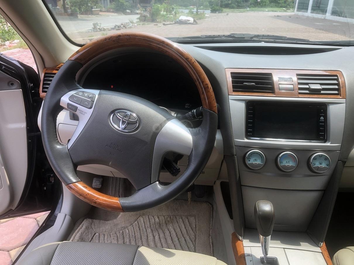 Bán Toyota Camry LE nhập Mỹ 2.4 năm 2007, màu đen, xe nhập, số tự động, giá tốt-9