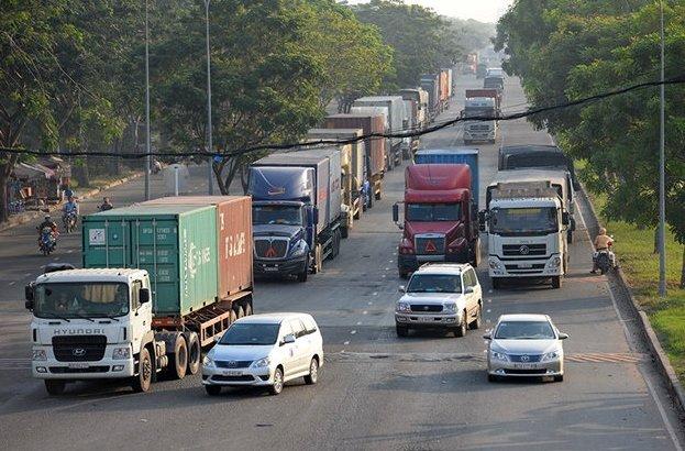 Không có phù hiệu xe tải nhưng vẫn tham gia giao thông sẽ bị phạt.