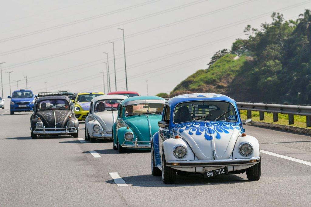 """Hơn 400 """"con bọ"""" tụ họp tại lễ hội Volkswagen Beetle 5a"""
