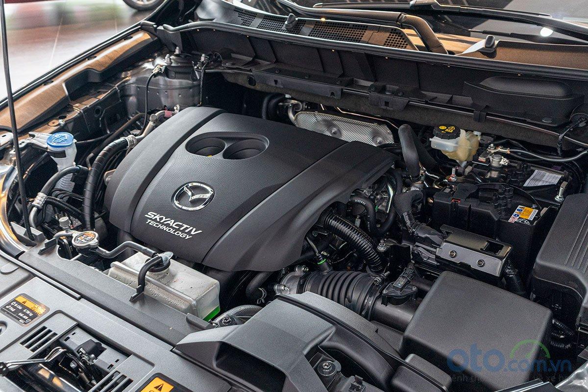 Ảnh chụp động cơ xe Mazda CX-8 2019