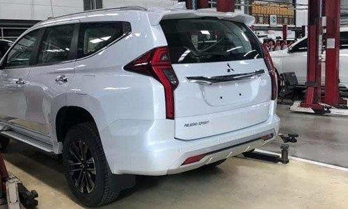 """Mitsubishi Pajero Sport 2020 """"hiện nguyên hình"""" trước này ra mắt a2"""