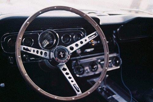 Ford Mustang 1965 đổi chủ với giá hơn 1 tỉ đồng a2