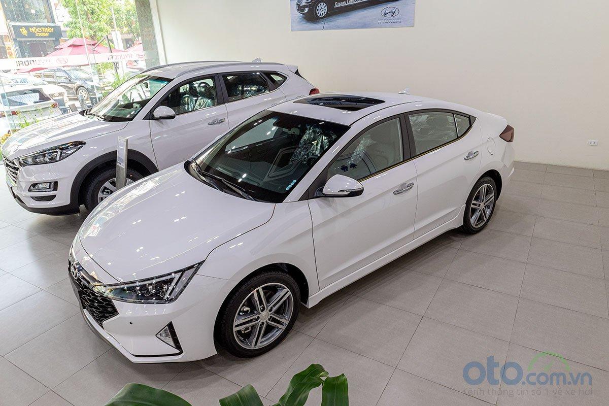 Đánh giá xe Hyundai Elantra 2019: Sở hữu nhiều ưu điểm.