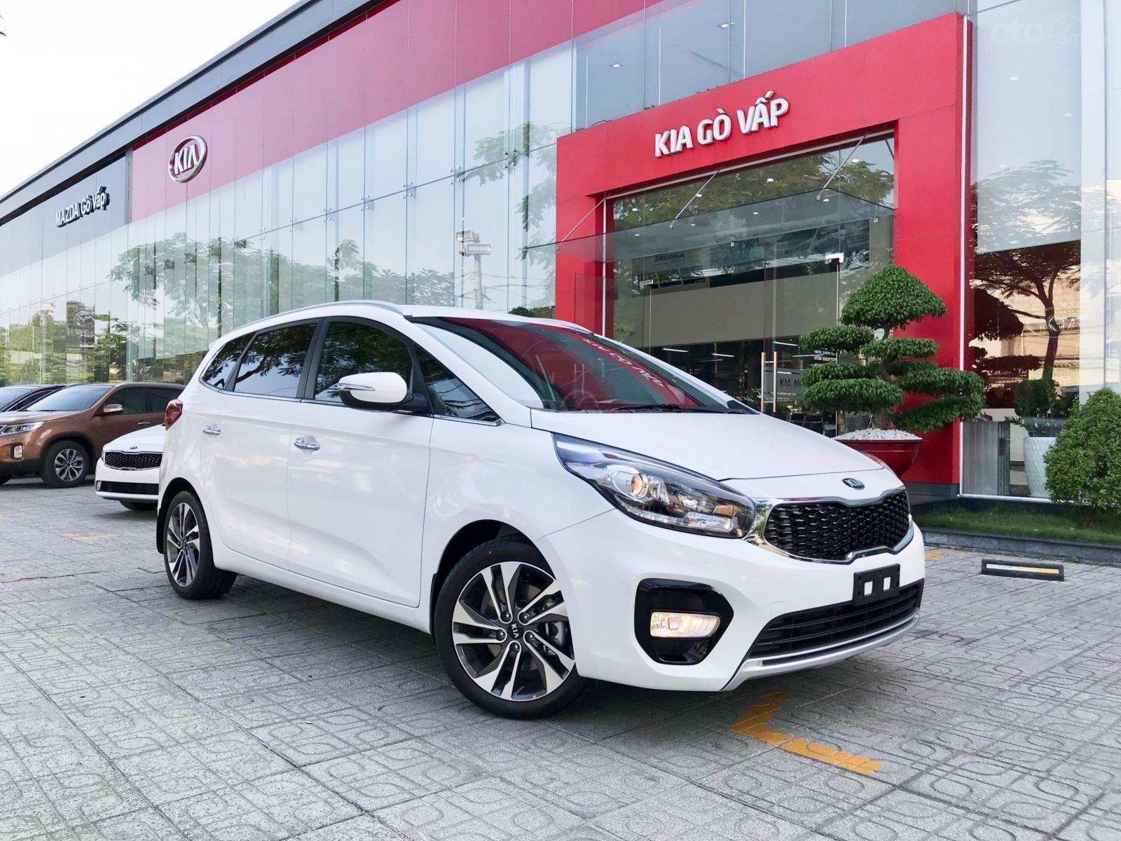 Kia Rondo 2019, Giảm giá + Tặng gói phụ kiện + đưa trước 200 triệu có xe. LH 0933920564 (2)