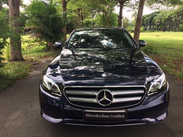 Bán xe Mercedes-Benz E250 xe cũ chính hãng, 2017, xanh đen (1)