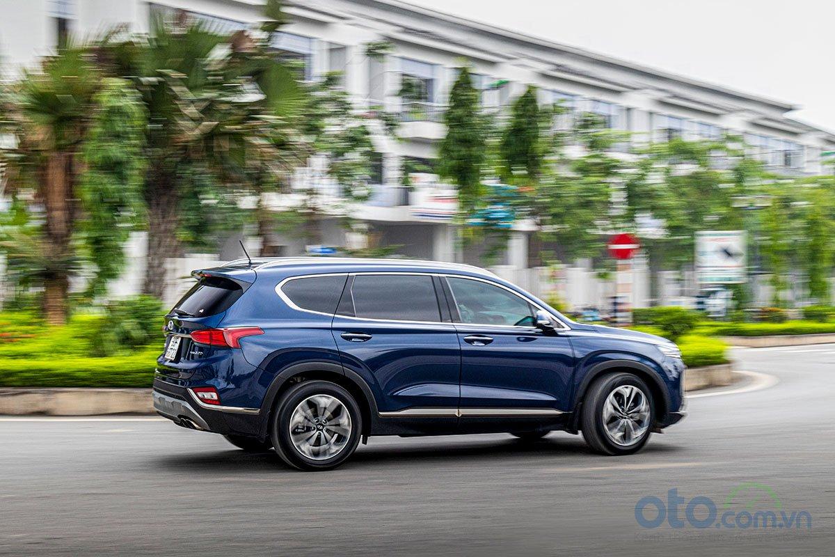 Đánh giá xe Hyundai Santa Fe 2019: Vận hành.