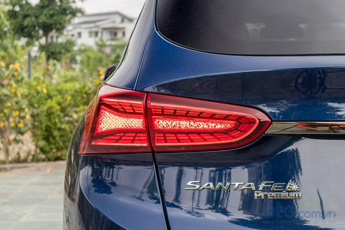 Đánh giá xe Hyundai Santa Fe 2019: Đèn hậu bắt mắt