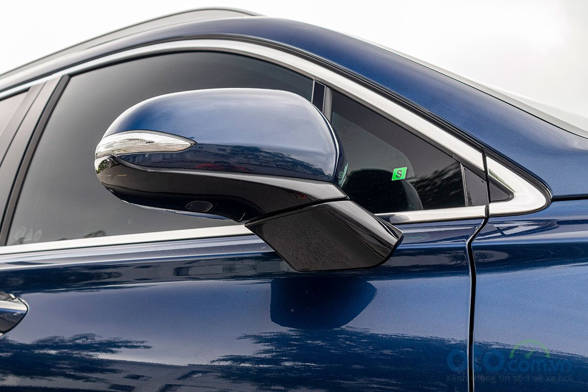 Đánh giá xe Hyundai Santa Fe 2019: Gương chiếu hậu có cảnh báo điểm mù