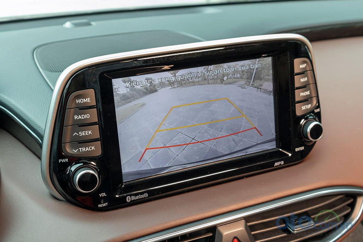 Đánh giá xe Hyundai Santa Fe 2019: Hệ thống an toàn 1.