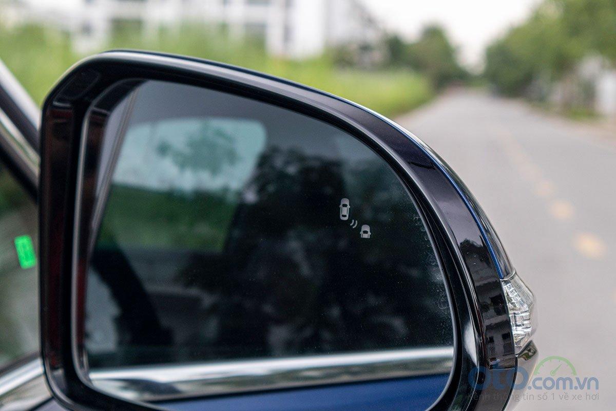 Đánh giá xe Hyundai Santa Fe 2019: Hệ thống an toàn 3.