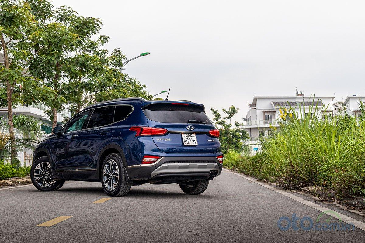 Ảnh chụp trước xe Hyundai Santa Fe 2019