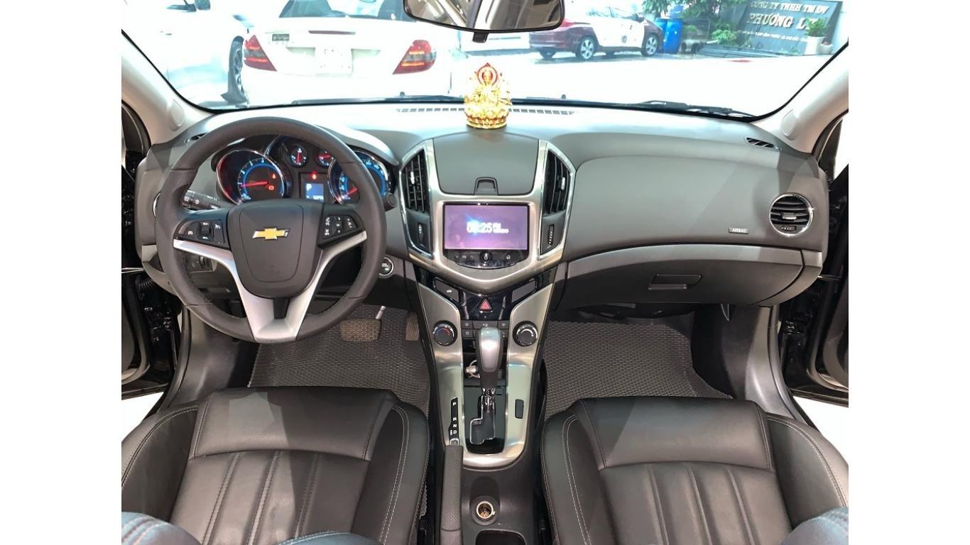 Chevrolet Cruze 1.8 AT 2017, màu đen, trả trước chỉ từ 147 triệu (9)
