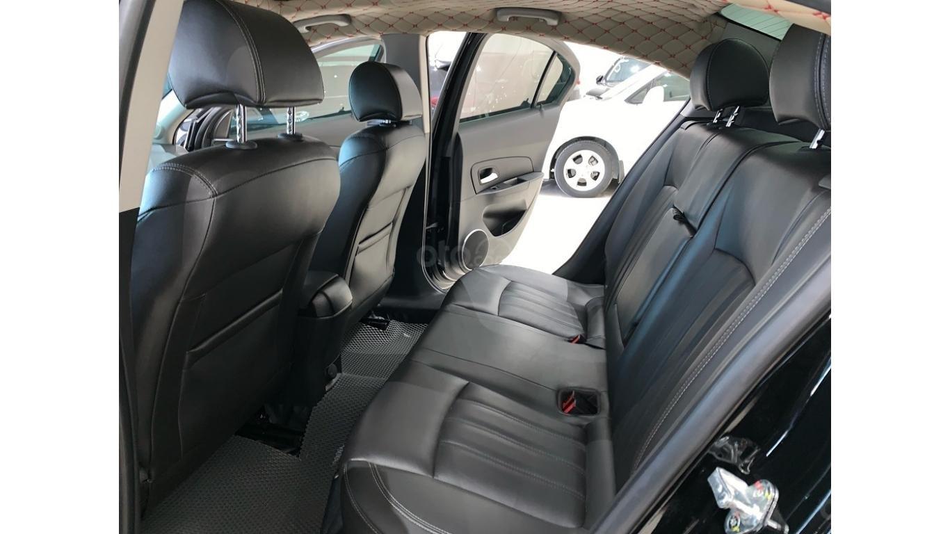 Chevrolet Cruze 1.8 AT 2017, màu đen, trả trước chỉ từ 147 triệu (10)