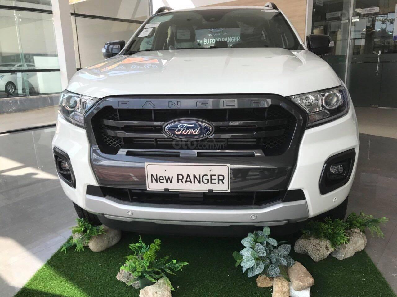 Bán Ford Ranger Wildtrack sản xuất năm 2019, màu trắng (1)