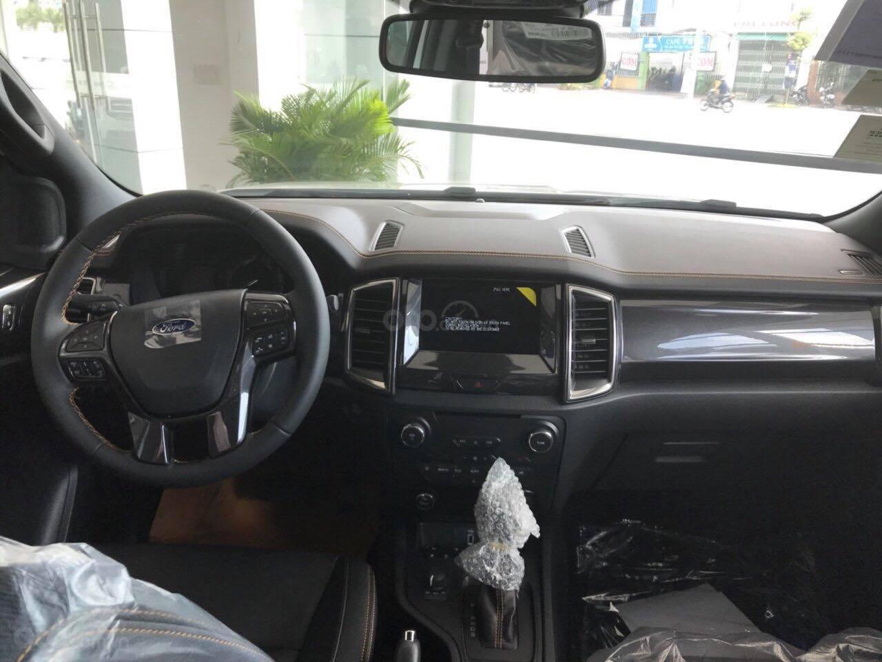 Bán Ford Ranger Wildtrack sản xuất năm 2019, màu trắng (4)