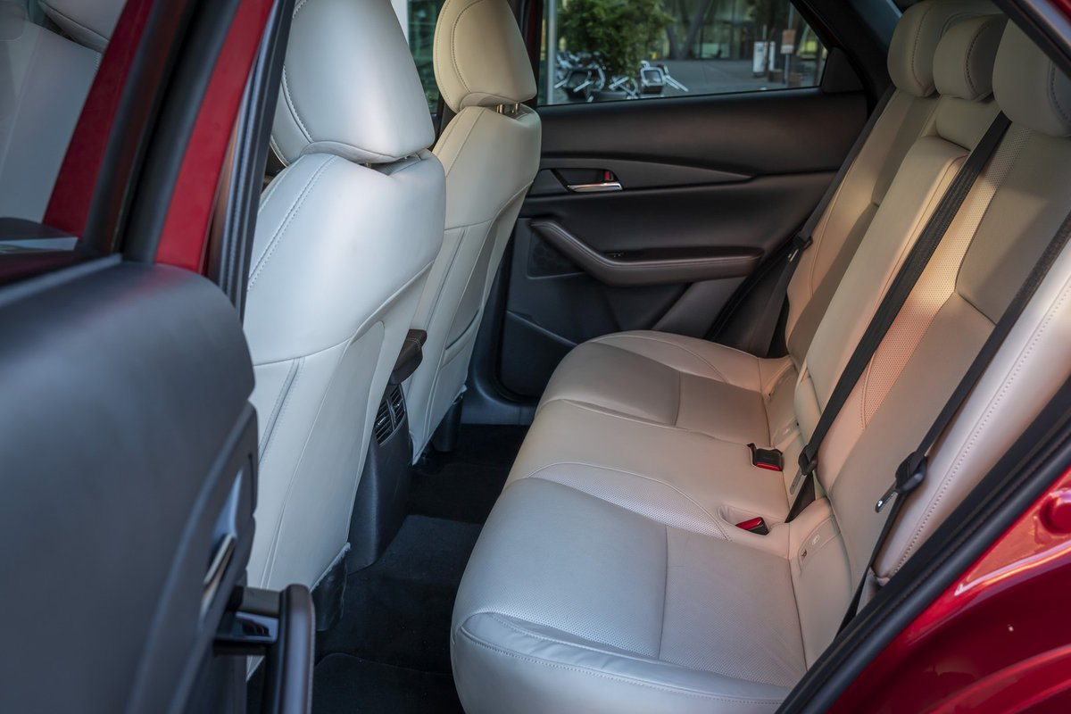 Đánh giá xe Mazda CX-30 2020 nội thất 2