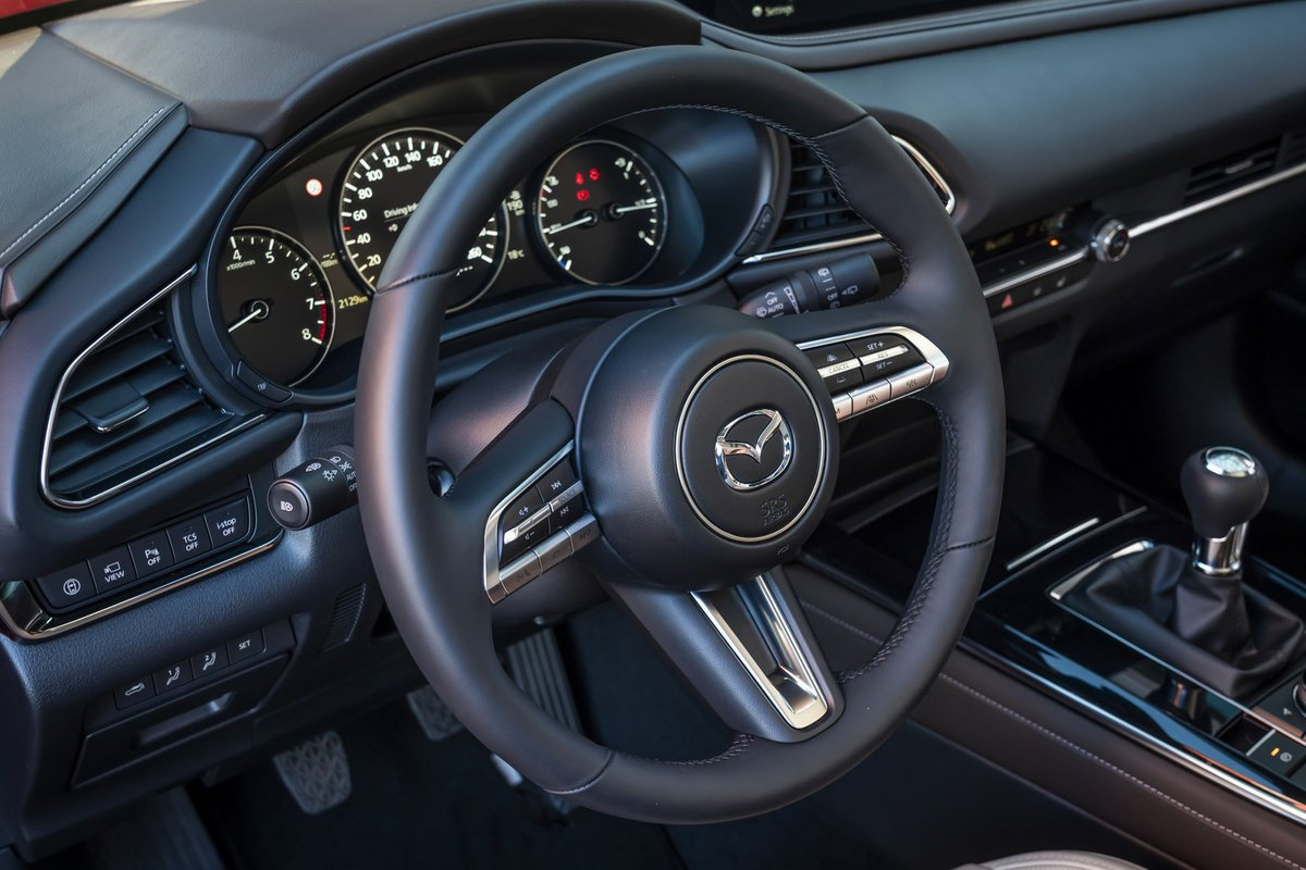 Đánh giá xe Mazda CX-30 2020 - nội thất