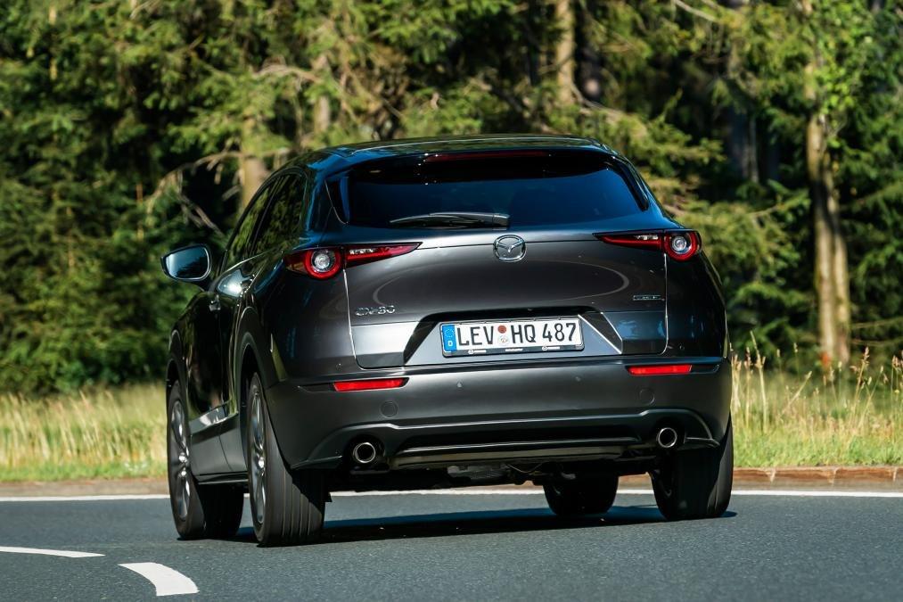 Đánh giá xe Mazda CX-30 2020 - đuôi xe