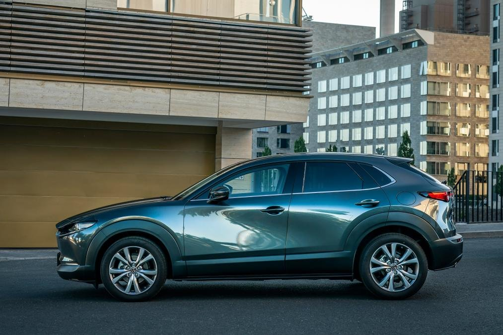 Thân xe Mazda CX-30 2020