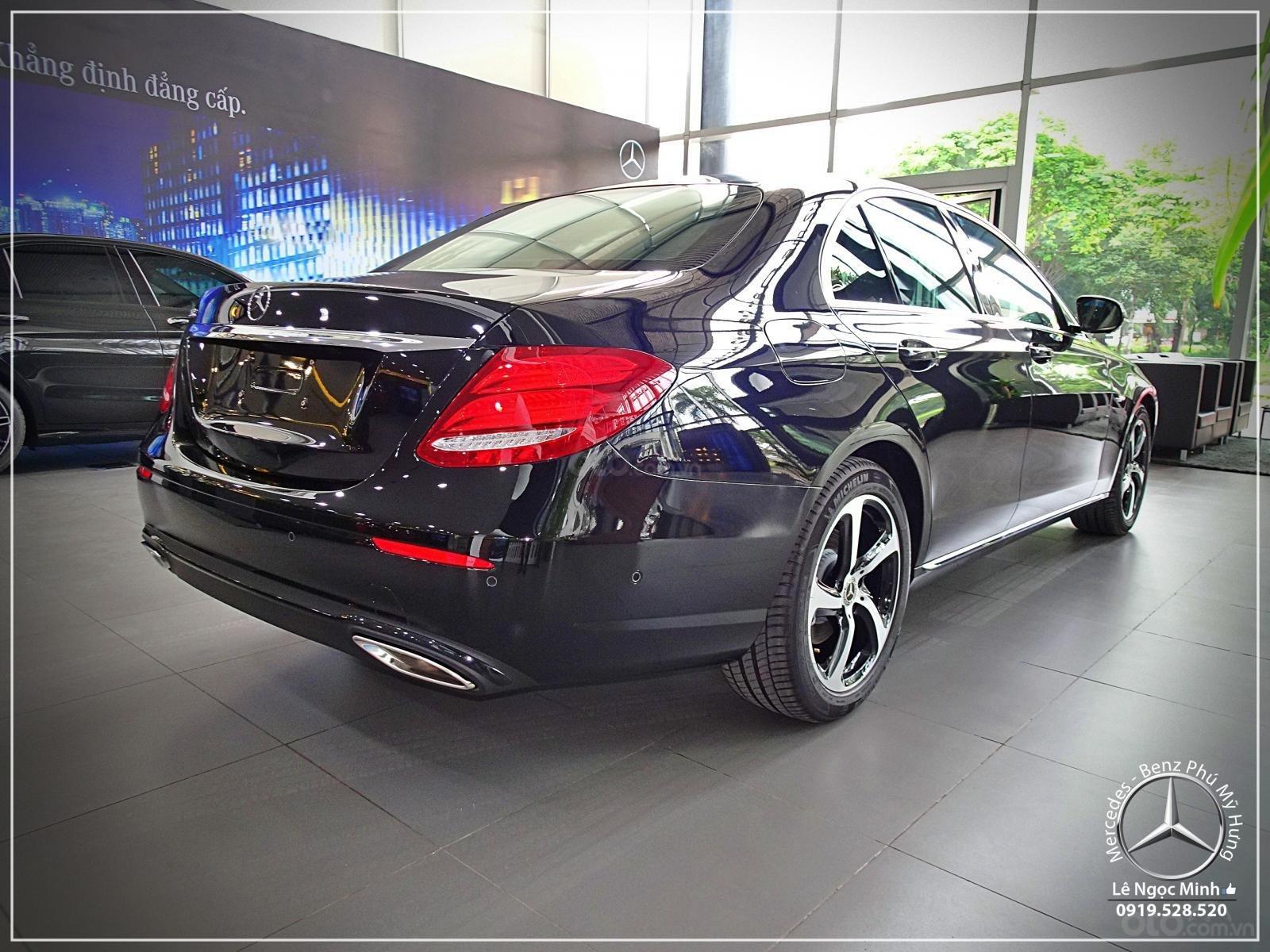 Bán xe Mercedes - Benz E200 Sport New 2020 - Hỗ trợ Bank 80%, xe giao ngay, ưu đãi tốt, LH 0919 528 520 (11)