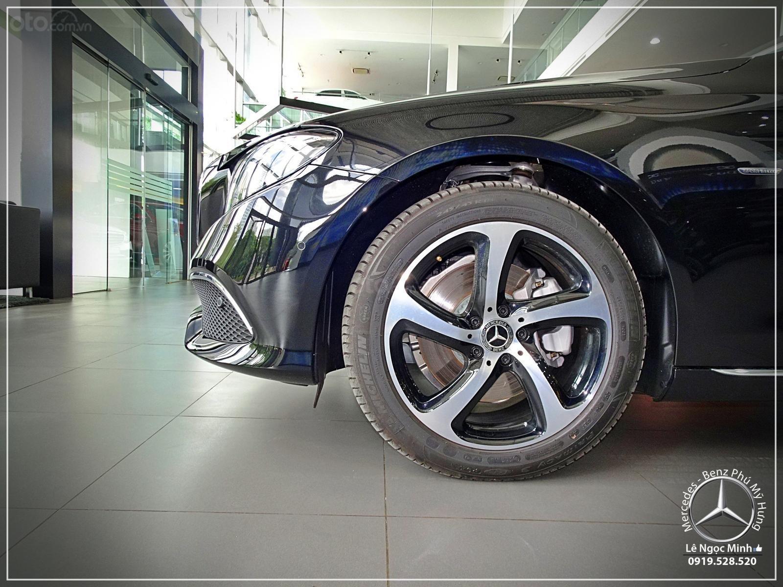 Bán xe Mercedes - Benz E200 Sport New 2020 - Hỗ trợ Bank 80%, xe giao ngay, ưu đãi tốt, LH 0919 528 520 (14)