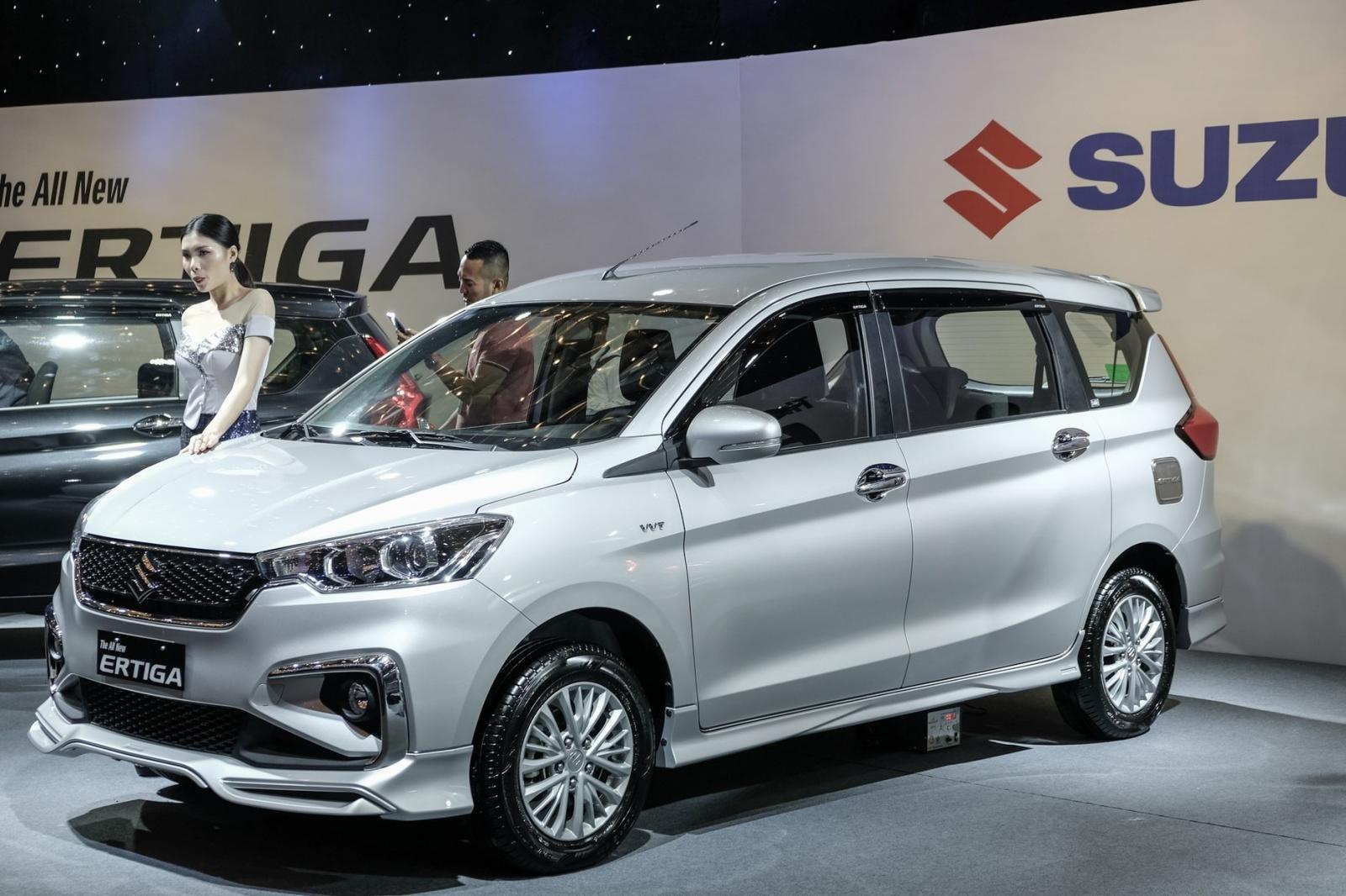 Cuối năm mới được giao xe, khách mua Suzuki Ertiga 2019 chờ dài cổ a2