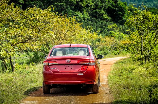 Đánh giá xe Toyota Vios 2019 1.5G CVT về thân xe a1