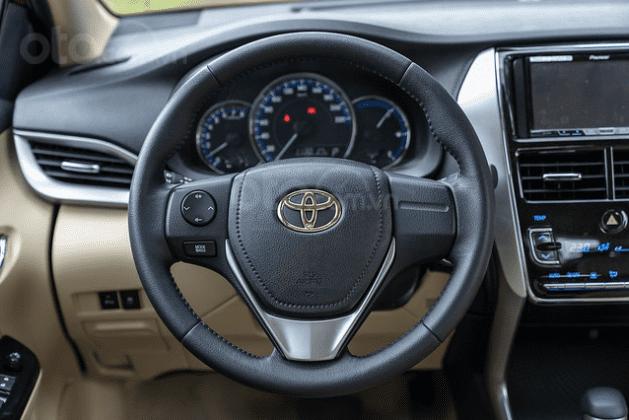 Đánh giá xe Toyota Vios 2019 1.5G CVT: Vo-lăng bọc da 1