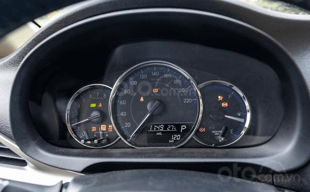 Đánh giá xe Toyota Vios 2019 1.5G CVT về đồng hồ lái 1