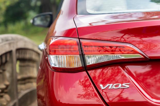 Đánh giá xe Toyota Vios 2019 1.5G CVT: Đèn hậu 1