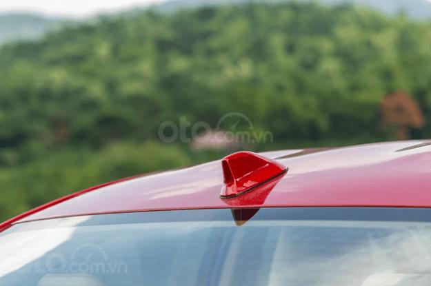 Đánh giá xe Toyota Vios 2019 1.5G CVT: Ăng-ten vây cá mập 1