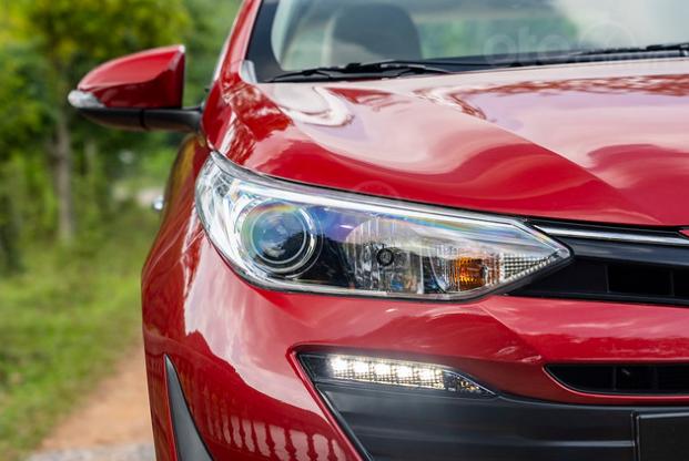 Đánh giá xe Toyota Vios 2019 1.5G CVT: Đèn pha 1
