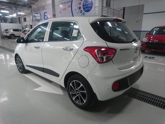 Bán xe Hyundai i10 giao ngay, hỗ trợ trả góp lãi suất ưu đãi (5)