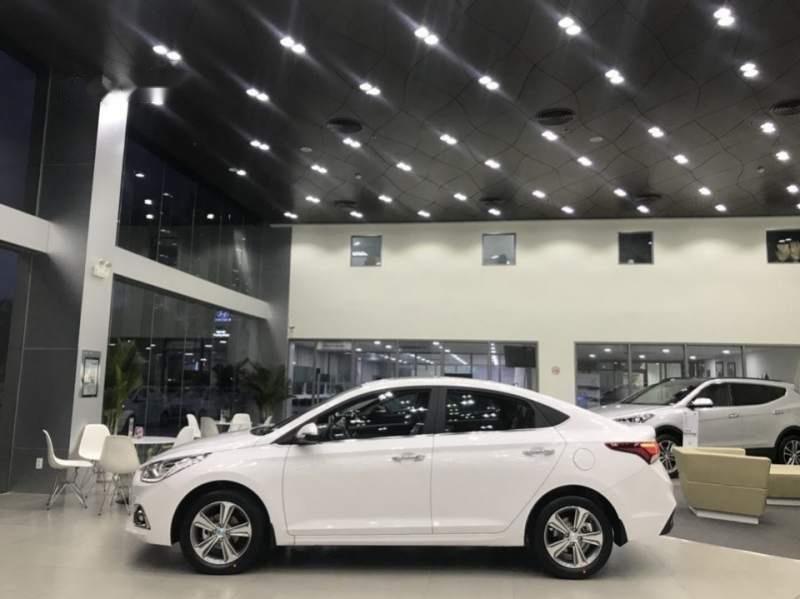 Cần bán Hyundai Accent đời 2019, màu trắng (4)