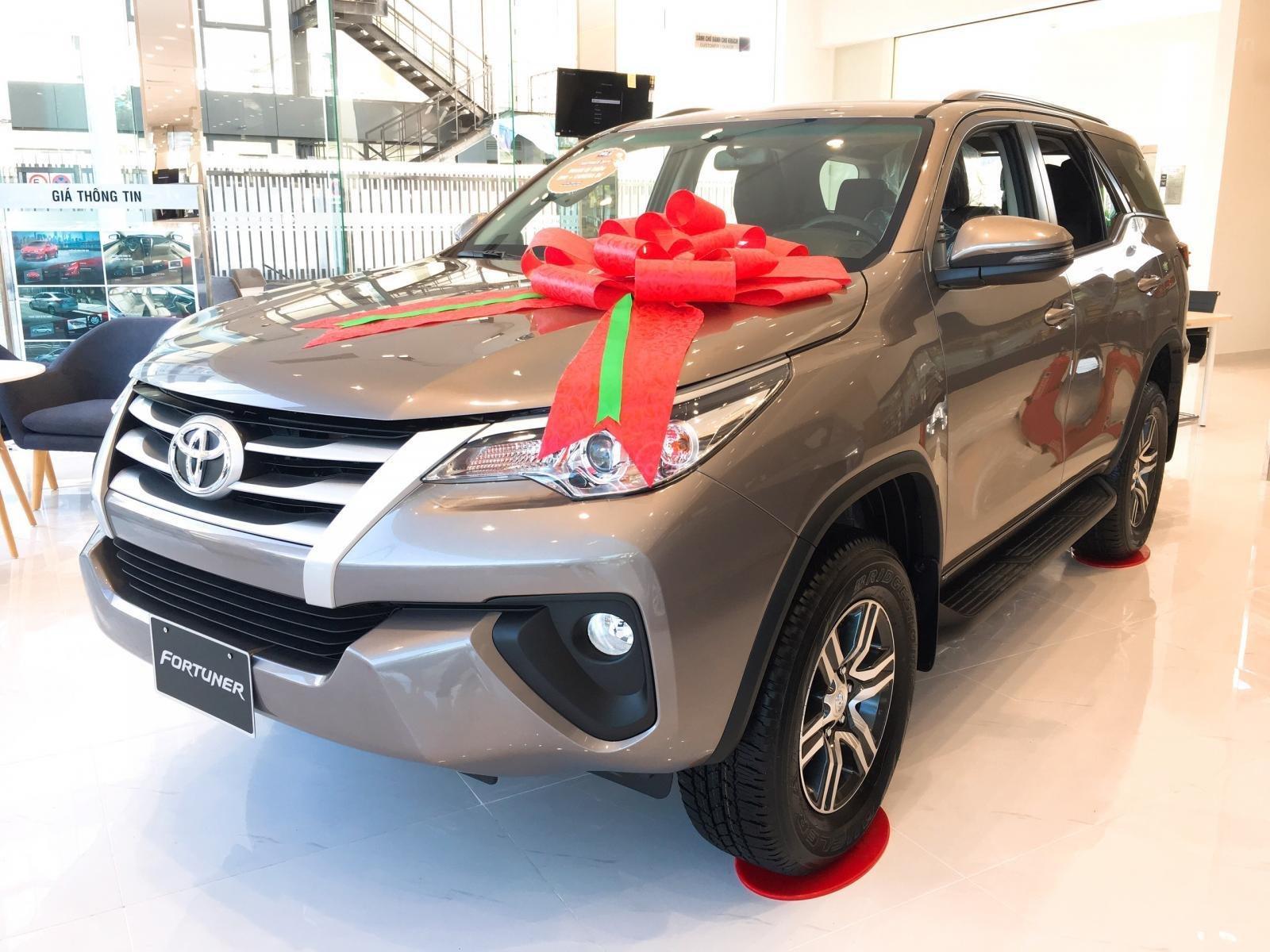 Toyota Fortuner 2.4G máy dầu, số sàn, màu đồng ánh kim, giá chỉ 998 triệu (2)