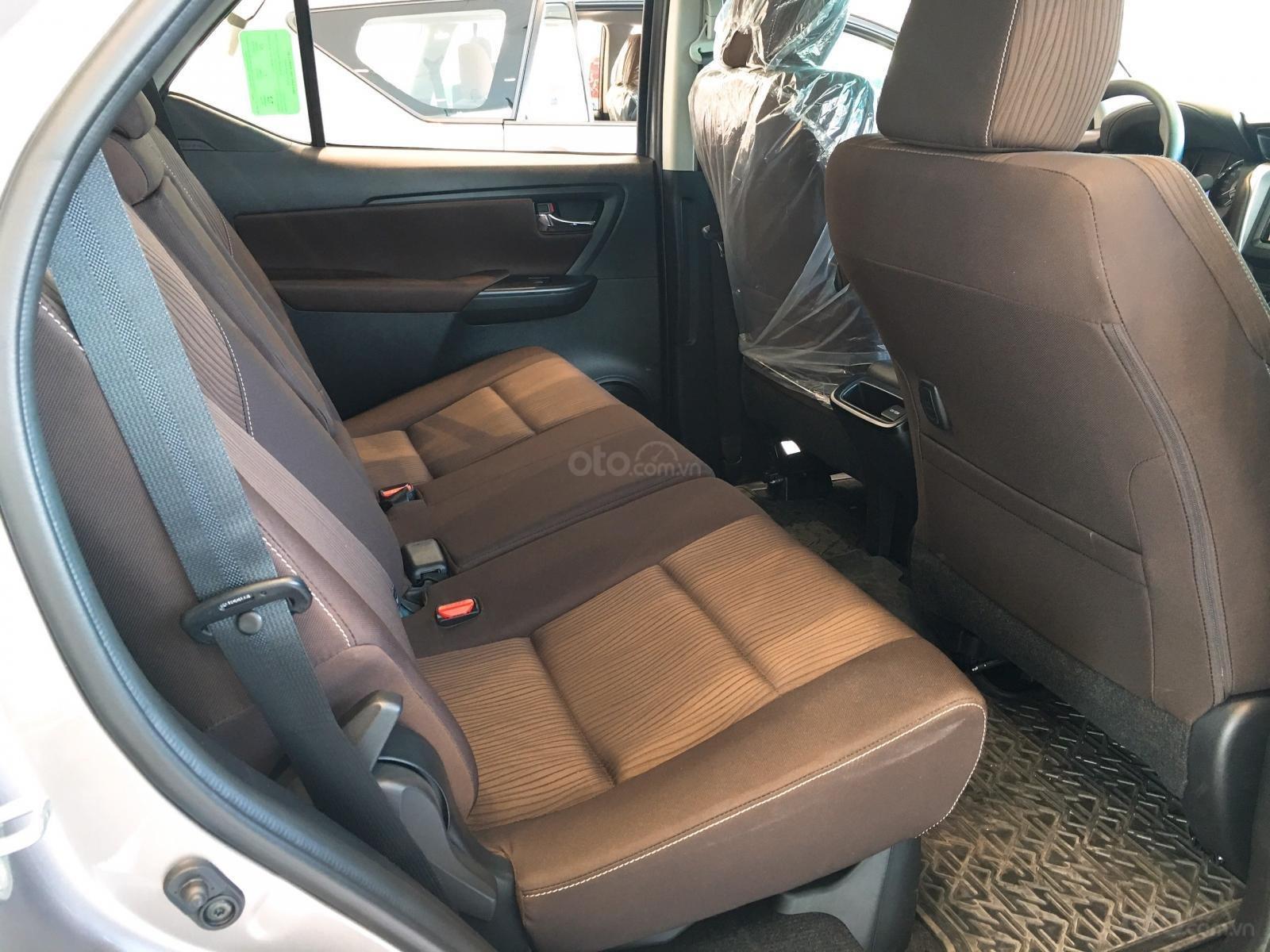 Toyota Fortuner 2.4G máy dầu, số sàn, màu đồng ánh kim, giá chỉ 998 triệu (5)