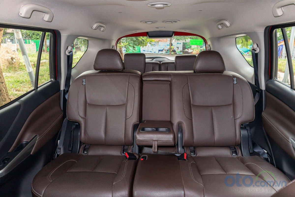 Đán giá Nissan Terra 2019: Hàng ghế thứ 2 rộng rãi 2.