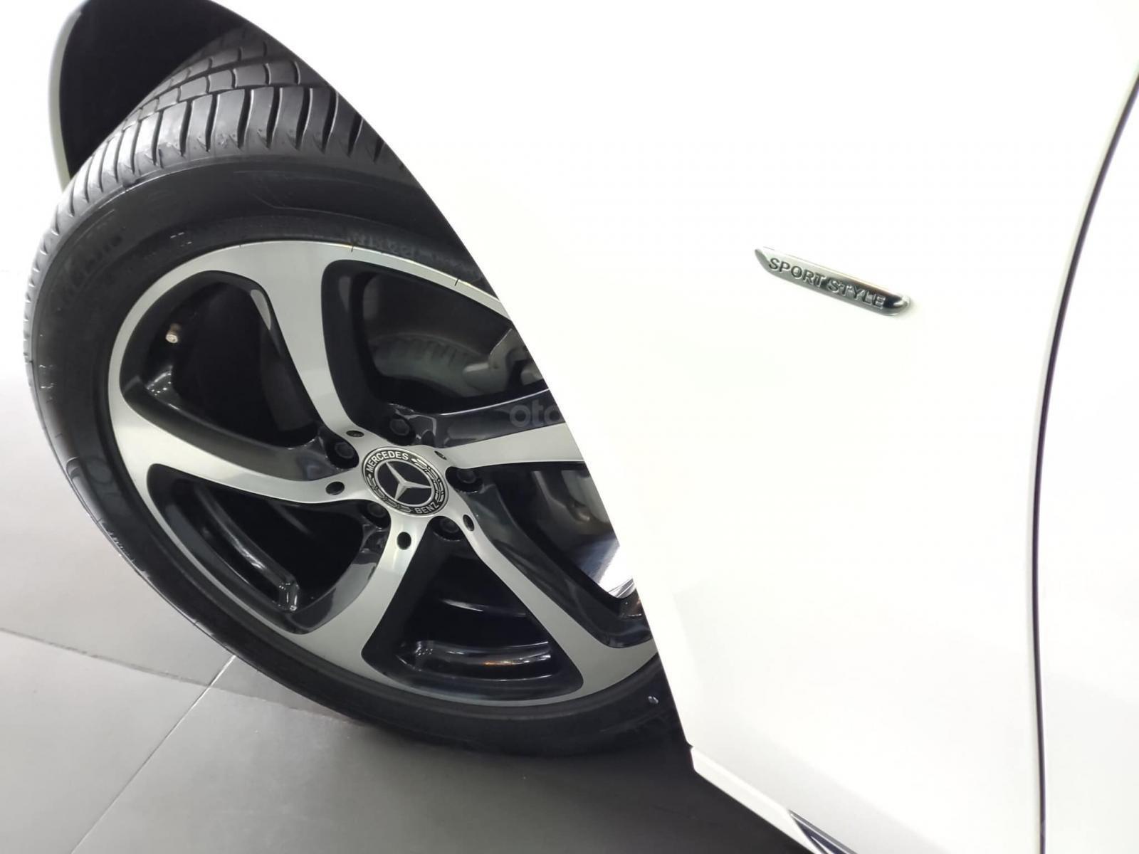 Giá xe Mercedes E200 Sport 2019, thông số, giá lăn bánh, khuyến mãi (12/2019), xe có sẵn giao ngay (3)